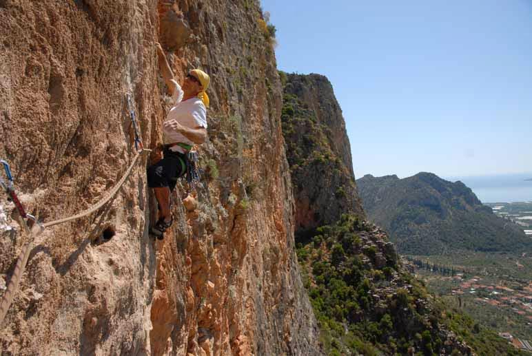 KOKKINOVRACHOS – RAMISI (6 Climbs)