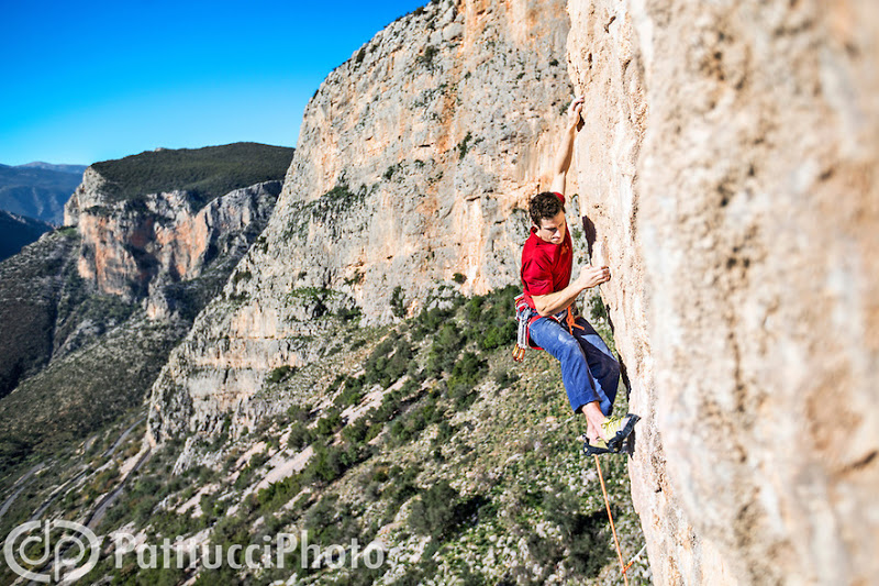 BALCONY (17 Climbs)