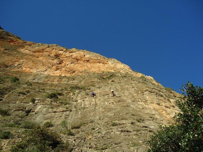 KOKKINOVRACHOS – DOUVARI (28 Climbs)